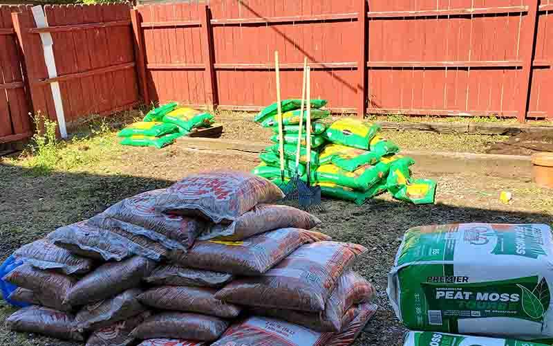 United Relief Foundation Eddie Beard Vet House preparation